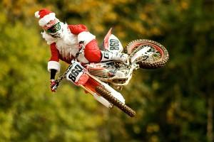 pere-noel-santa-motocross-christmas-2013